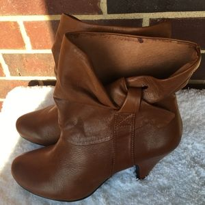 Steve Madden tan upper leather ankle boots